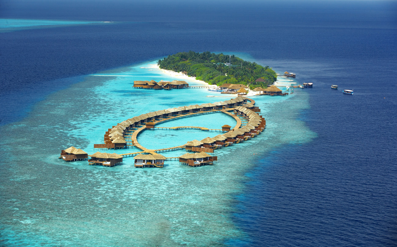 Maldives-Lily-Beach-Resort_copy