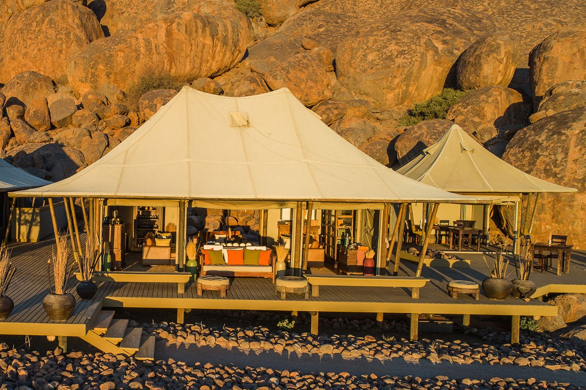<strong>WOLWEDANS BOULDERS SAFARI CAMP</strong>